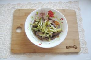 Салат с языком и морковью - фото шаг 12