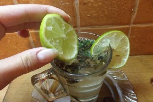 Зеленый чай с лаймом - фото шаг 2