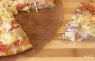 Пицца с беконом и ананасом (Гавайская) - фото шаг 6