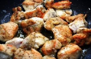 Куриные кусочки в сливочном соусе - фото шаг 5