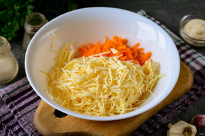 Еврейский салат с морковью - фото шаг 3