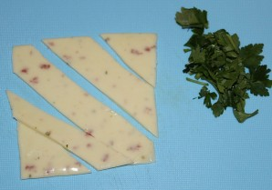 Яичница с сыром плавленным - фото шаг 4