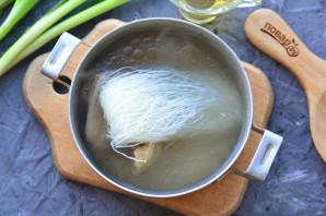 Суп с рисовой лапшой и говядиной - фото шаг 6