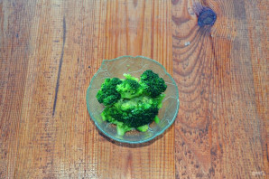 Салат с брокколи и яйцом - фото шаг 4