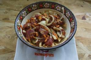 Мясо с овощами в горшочках - фото шаг 4