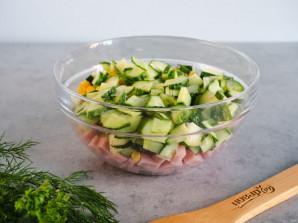 Салат с ветчиной, яйцом и кукурузой - фото шаг 3