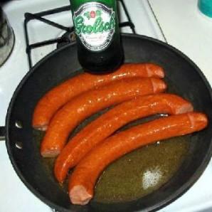 Жареная колбаса с картофелем  - фото шаг 3