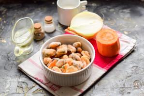 Сырный суп с мидиями - фото шаг 1