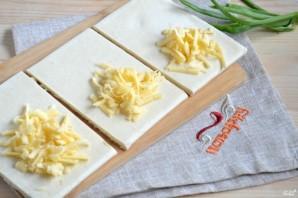 Слойки с сыром из готового слоеного теста - фото шаг 4
