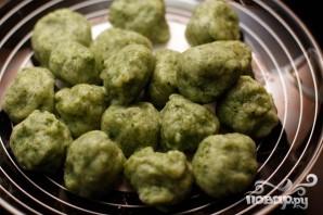Картофельные клецки со шпинатом - фото шаг 4