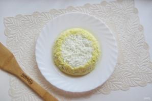 Салат с консервированной горбушей и грибами - фото шаг 9