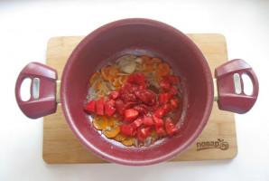 Скумбрия в томате с овощами - фото шаг 6