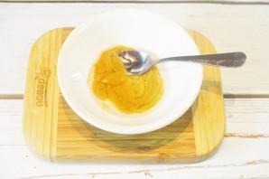 Салат с луком и голубым сыром - фото шаг 3