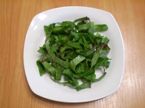Сыроедческое блюдо из свекольной ботвы - фото шаг 3
