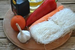 Салат с фунчозой - фото шаг 1