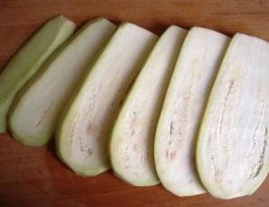 Жареные баклажаны с сыром и чесноком - фото шаг 1