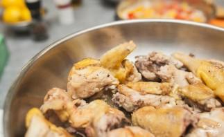 Паэлья с морепродуктами и курицей - фото шаг 1