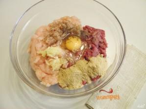 Котлеты под грибным соусом - фото шаг 2
