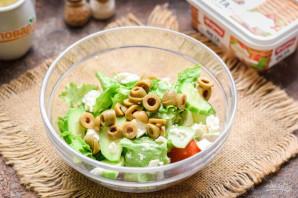 Салат с авокадо и оливками - фото шаг 4