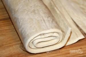 Слоеное тесто со сгущенкой - фото шаг 1