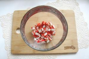 Зеленый салат с крабовыми палочками - фото шаг 2