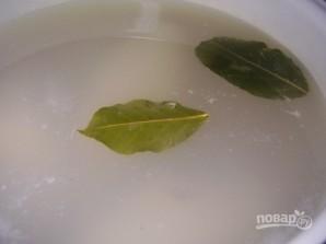 Салат из кальмаров с кукурузой - фото шаг 2