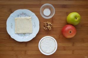 Сыр, запеченный в тесте - фото шаг 1
