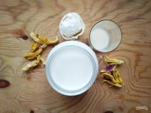 Молочный коктейль со сгущёнкой - фото шаг 1