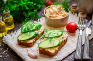 Бутерброды с паштетом из тунца - фото шаг 9