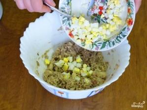 Заливной пирог с рыбой и яйцами - фото шаг 3