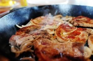 Жареные стейки свинины - фото шаг 4