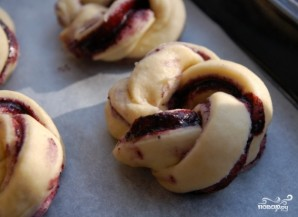 Пирожки с черникой - фото шаг 8