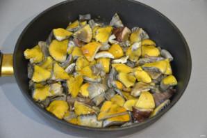 Жареные сыроежки с картошкой - фото шаг 4