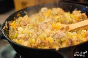 Грибы, фаршированные овощной начинкой - фото шаг 6