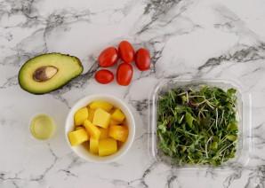 Салат с авокадо и манго - фото шаг 1