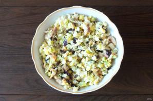 Салат из морского окуня горячего копчения - фото шаг 6