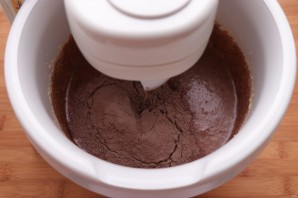 Пирог с черносливом и грецкими орехами - фото шаг 6