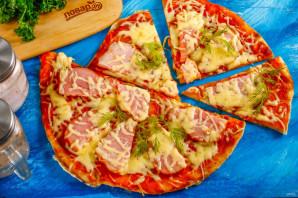 Дрожжевая пицца на сковороде - фото шаг 9