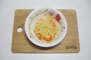 Салат с сыром и чесноком - фото шаг 4