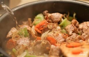 Рагу со свининой, овощами и лапшой - фото шаг 5