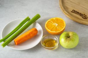 Смузи из сельдерея, яблока и апельсина - фото шаг 1