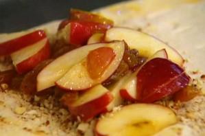 Яблочный штрудель с изюмом  - фото шаг 4