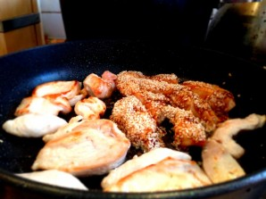 Курица с фунчозой и овощами - фото шаг 4