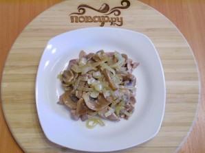 Теплый салат с куриной печенью - фото шаг 5
