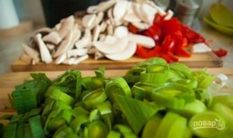 Рисовая лапша с овощами и курицей - фото шаг 3