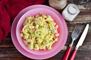 Салат с крабовым мясом и кальмарами - фото шаг 9