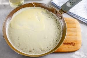 Заварные блины на молоке с дырочками - фото шаг 4