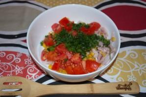 Салат из копченой курицы с ананасами - фото шаг 3