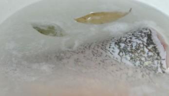 Заливная рыба с желатином - фото шаг 2
