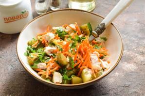 Салат с корейской морковью и маринованными огурцами - фото шаг 6